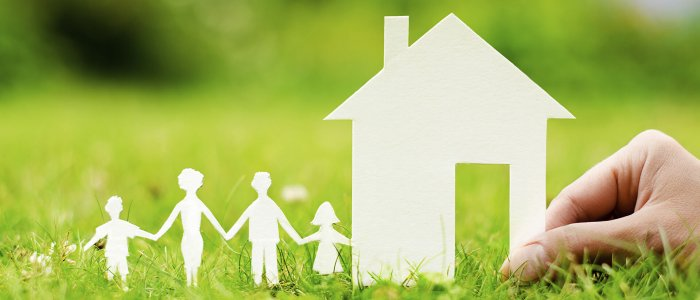 paper-craft-family-buying-house